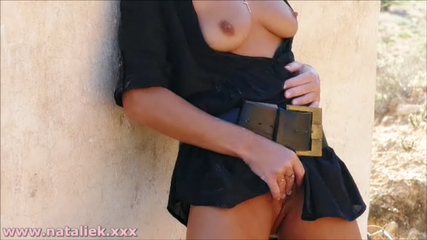 Natalie K outdoors public flashing & masturbation
