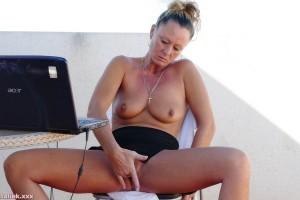 Natalie K outdoors fingering