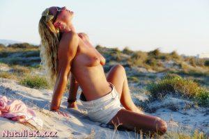 NatalieK porn beaches outdoors topless